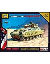 Zvezda Models M2 Bradley - U.S. Infantry Fighting Vehicle (1/100 Scale)