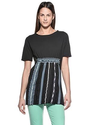 Crema Camiseta Encajes y Ribetes (Negro)
