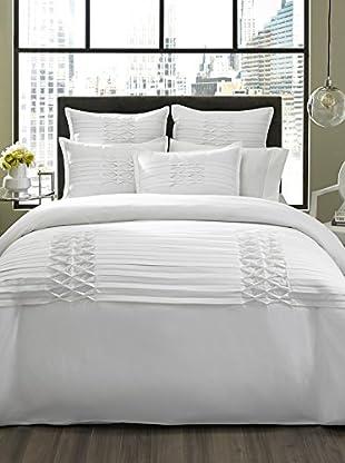 City Scene Triple Diamond White Comforter/Sham Set