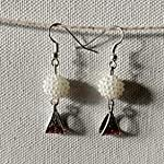 Beads earring with charm