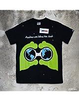 Yellbow Peeping Alien Unisex T-Shirt