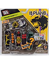 Tech Deck Board Shop Set - 18 Plan B Skateboards 50+ Pieces