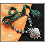 Green thread necklace with single pendant