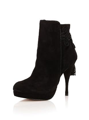 Adrienne Vittadini Women's Ahjian Bootie (Black)
