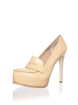 Pour La Victoire Women's Larkin Loafer Pump (Camel Patent)